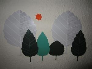 stick cu frunze pe pereti