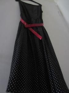 rochie neagra cu buline albe