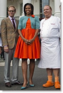 michelle obama in rochie oranj