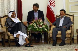 mahmoud-ahmadinejad-sheik-hamad-bin-khalifa-al-thani-2011-8-25-15-21-53